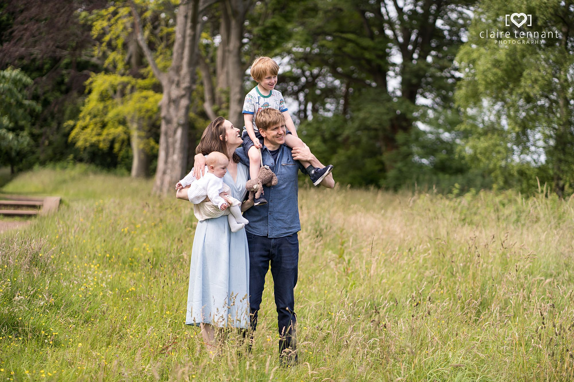 Relaxed Springtime Family Photography Shoot