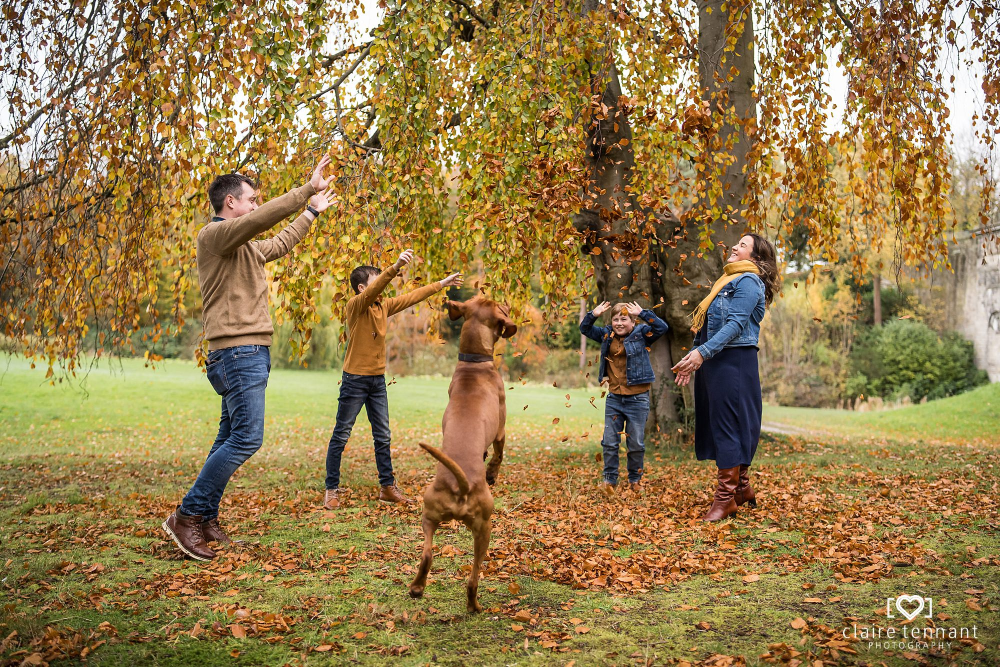 natural family shoot in Dalkeith Country Park
