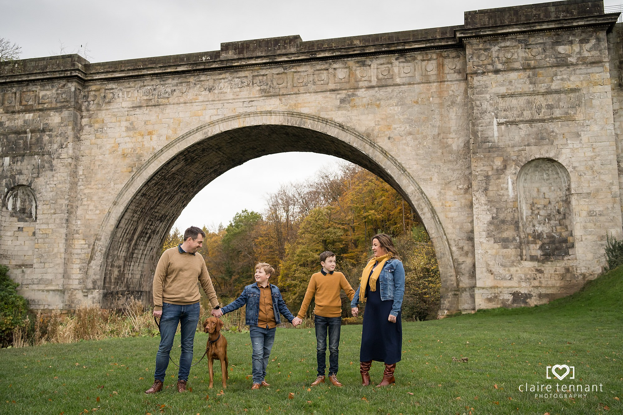 natural family shoot in Dalkeith