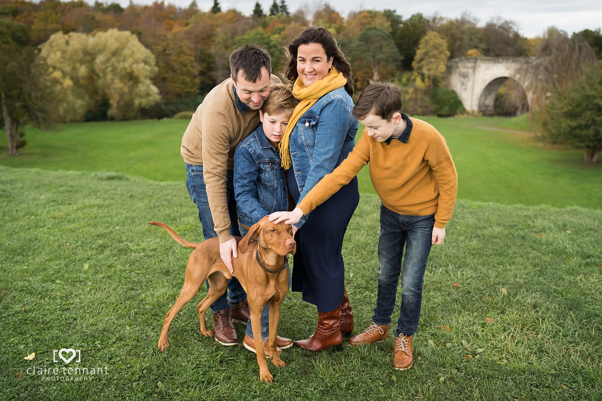 relaxed autumnal family shoot