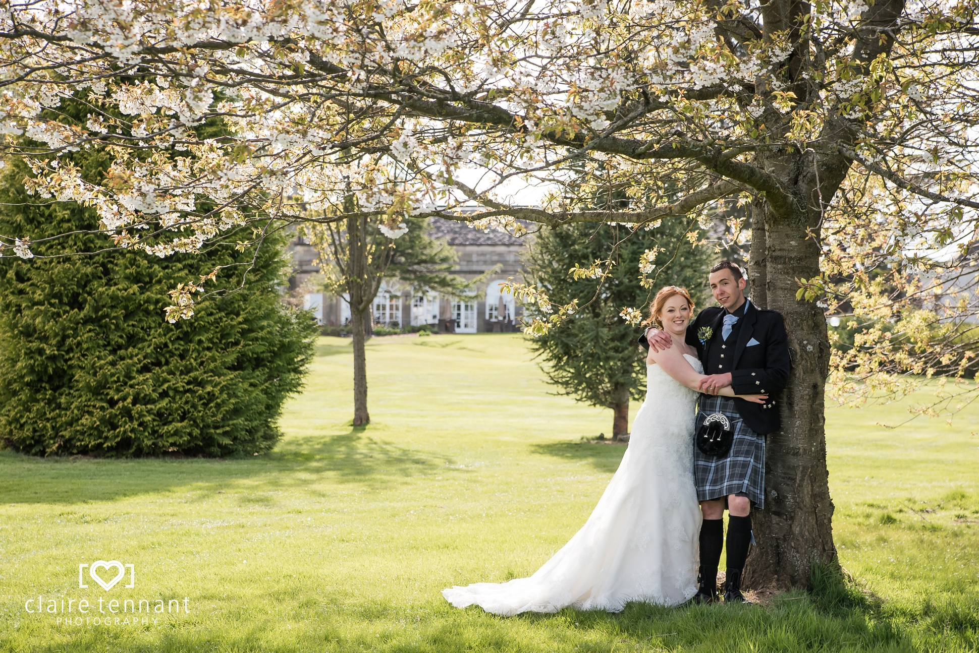 Beautiful Dalmahoy Wedding on a Sunny Spring Day